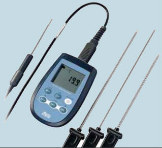 What is the Delta OHM HD2307.0 Digital Thermometer?